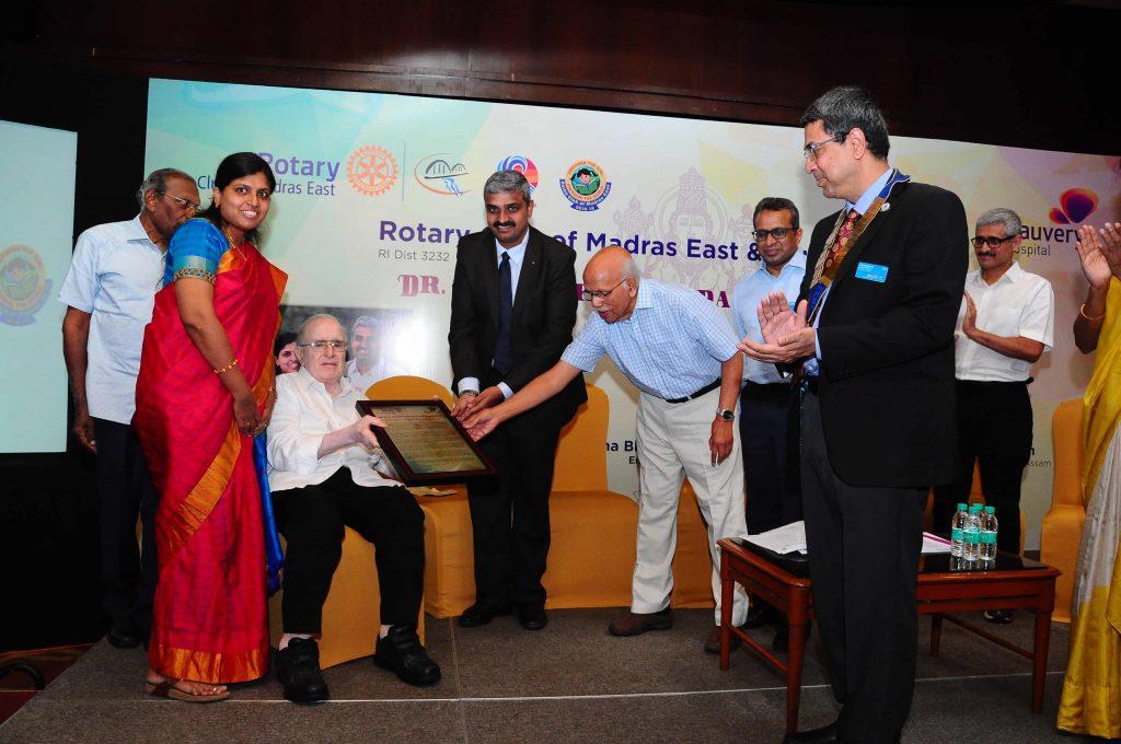 Dr K V Thiruvengadam award for medical excellence to Dr Gopi Nallaiyan Dr Hemapriya